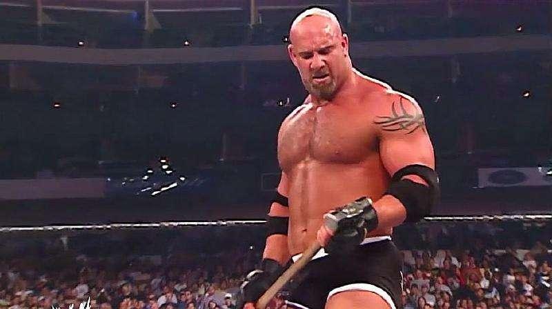 马克亨利和大秀哥_WWE经典回顾:战神高柏对战HHH,拿起锤子就是一人一锤,太凶悍 ...