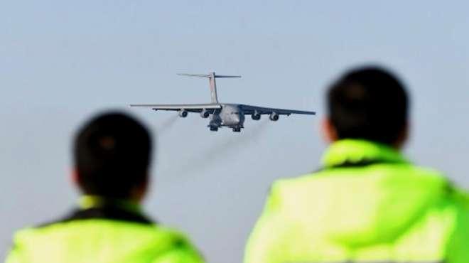 机场塔台致谢运送烈士运20机组
