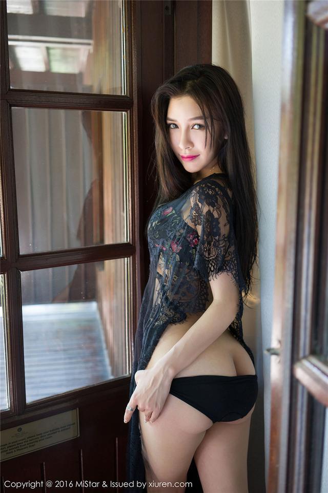 [魅妍社] 长发风骚嫩模戴小唯黑色蕾丝的诱惑 Vol.082