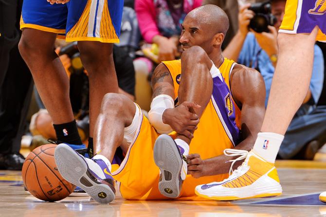 7年前的今天,Kobe向世人詮釋曼巴精神,為了湖人拼到跟腱斷裂仍堅持罰球!(影)-籃球圈