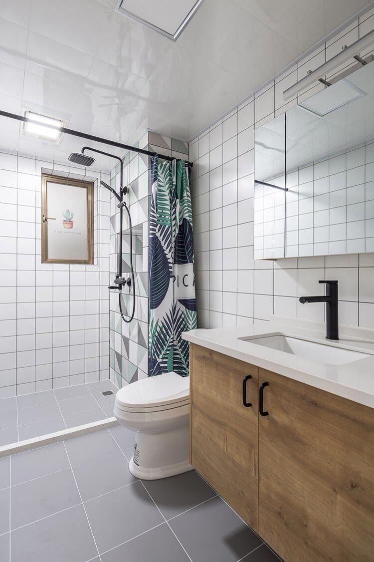 卫生间装修时这几点做不好,臭味大,瓷砖缝发霉,后悔都来不及