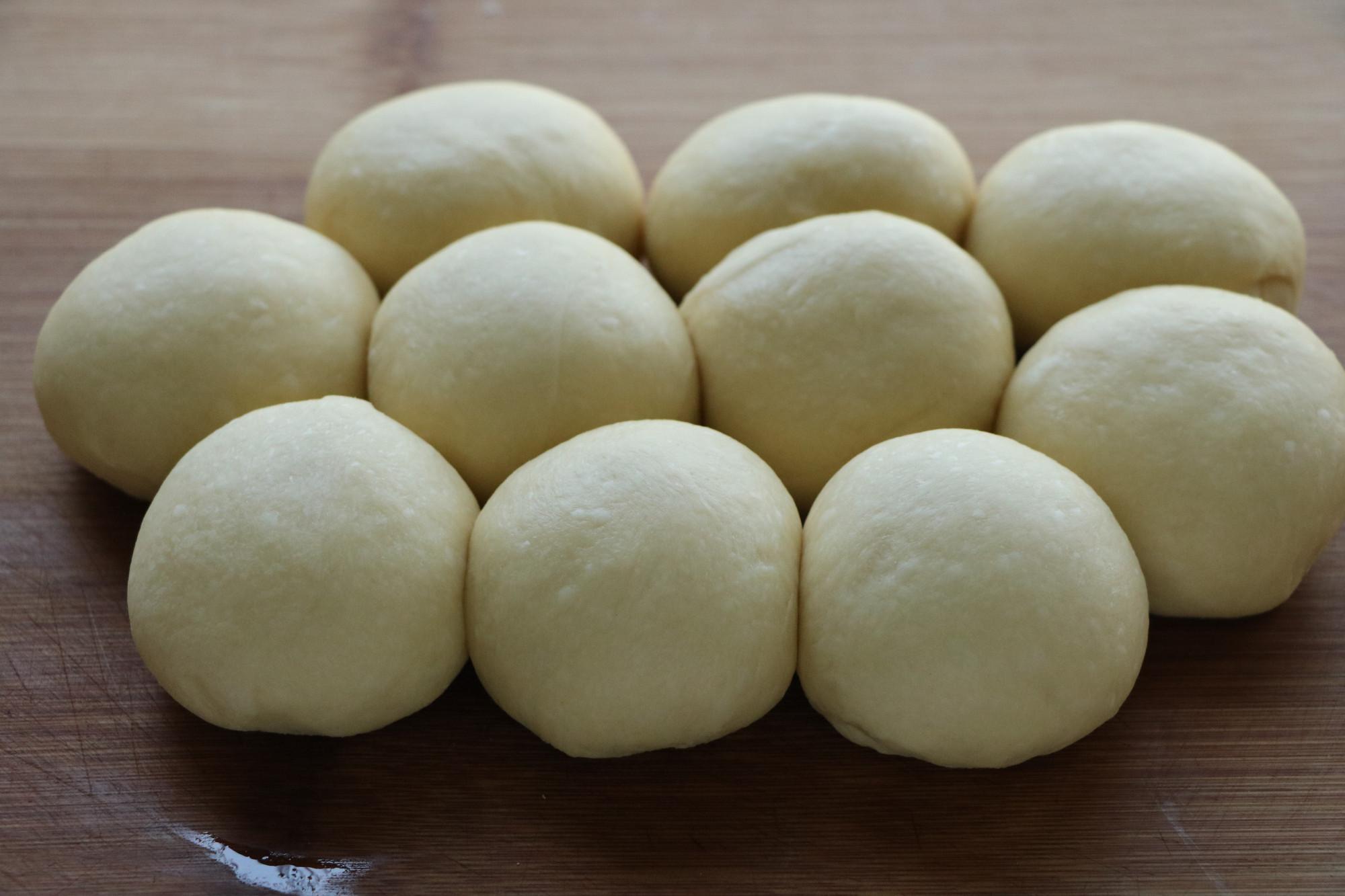 我家就爱这个小面包,连着做了3天,香甜酥脆,柔软拉丝,特解馋