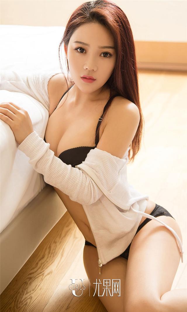 [尤果网] 好看的美女孙菲清纯内衣写真 第730期