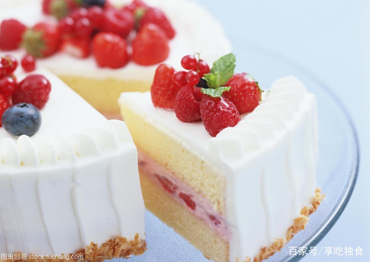 草莓奶酪蛋糕简单做法,比好利来便宜多了,给孩子吃更放心