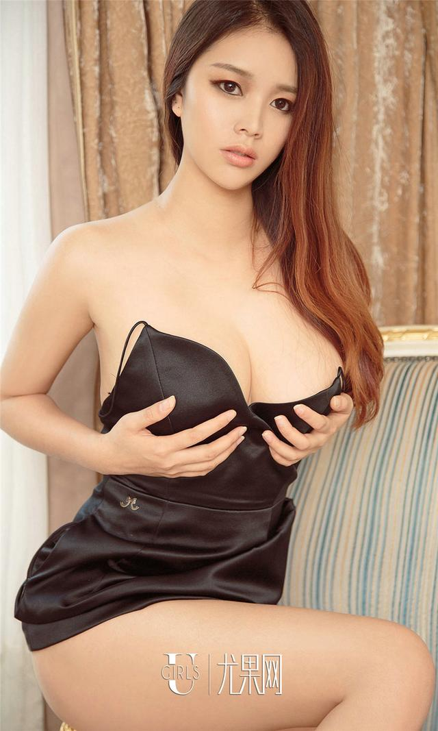 [尤果网] 连身网袜美女米雪儿手遮巨乳诱惑大胆写真 第846