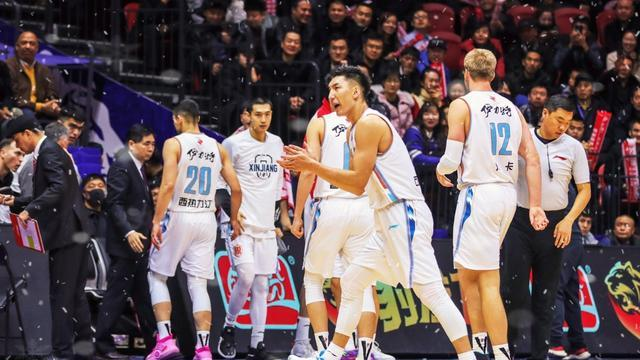 CBA球员记3|新疆大外重回NBA 首秀6分7板 发文难掩喜悦之情