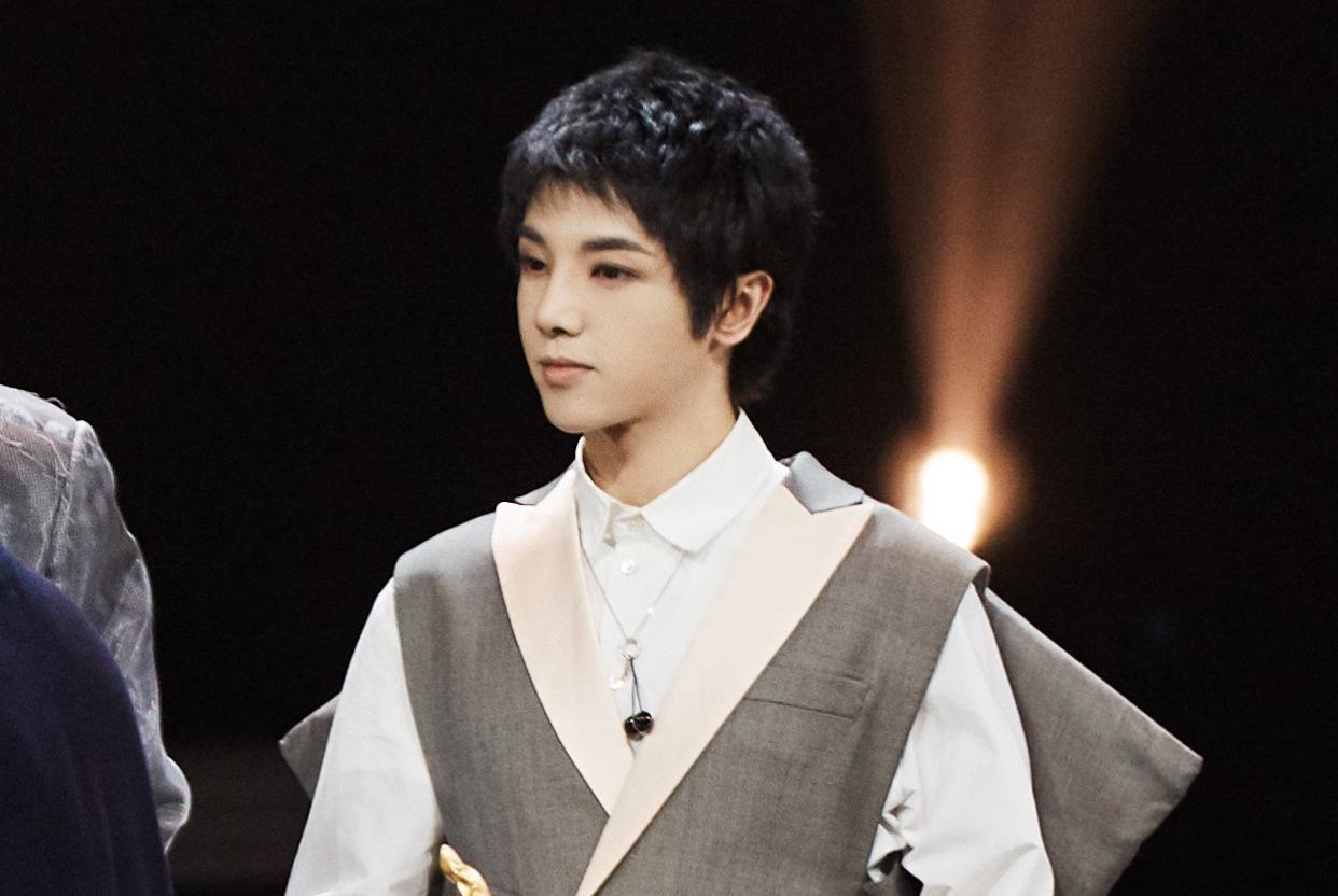 华晨宇微博之夜,获微博年度最具影响力音乐人