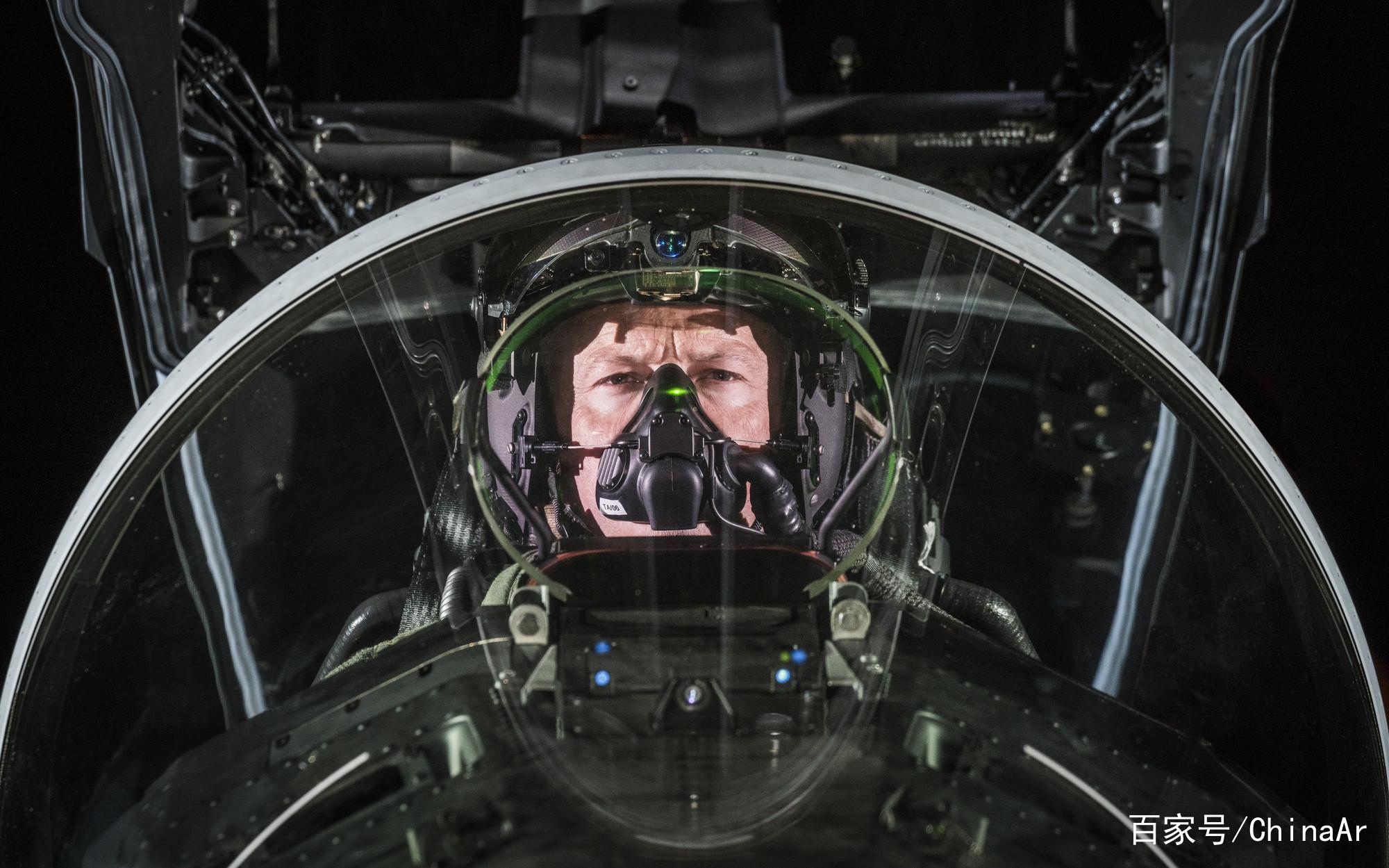 把AR技术应用到战斗机飞行上 让科幻变成现实