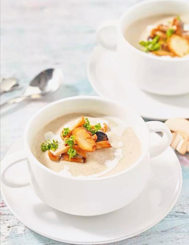 法式奶油蘑菇汤,在家也可以享受的米其林三星的美味