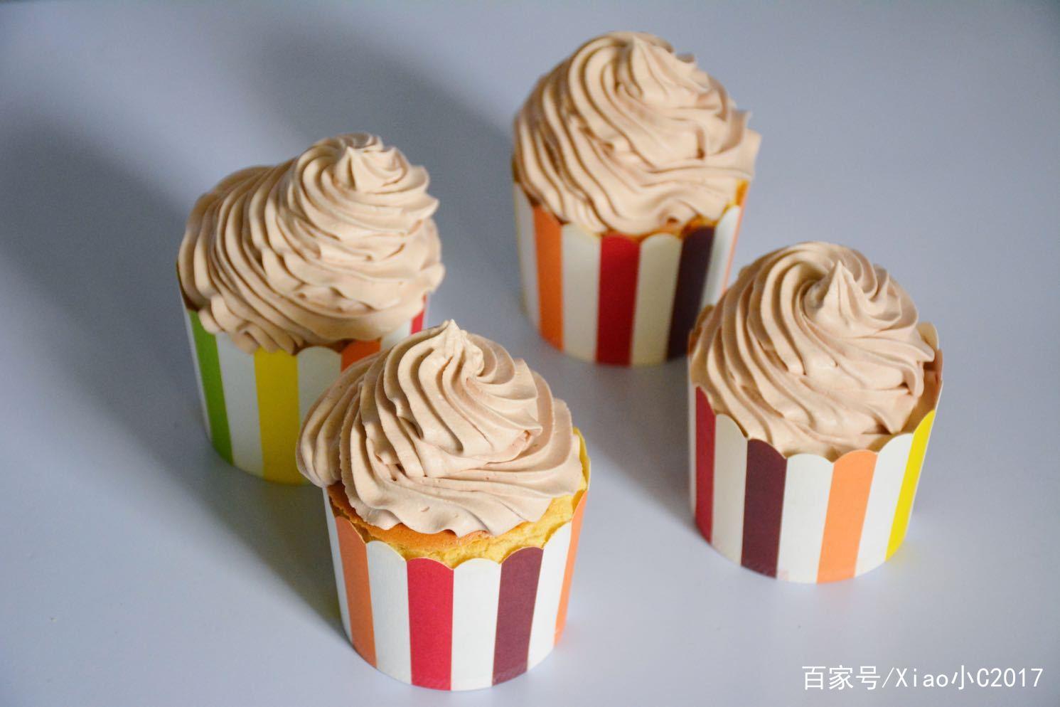 请查收你的儿童节礼物,简单好吃的奶油纸杯蛋糕,孩子特别喜欢