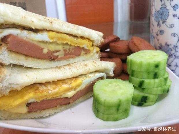 黄瓜,火腿三明治