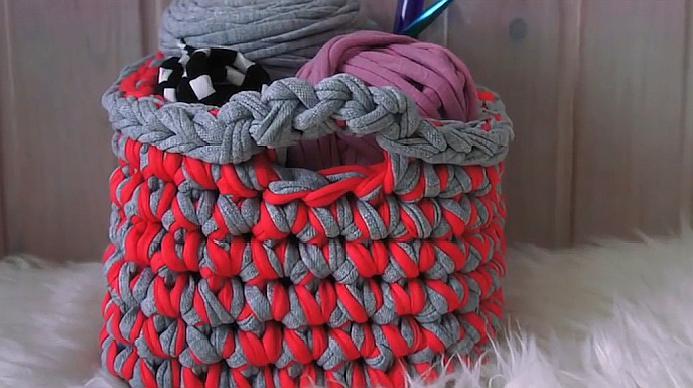 鉤針編織,教你用兩條不一樣顏色的紗線編織一款手提方形籃