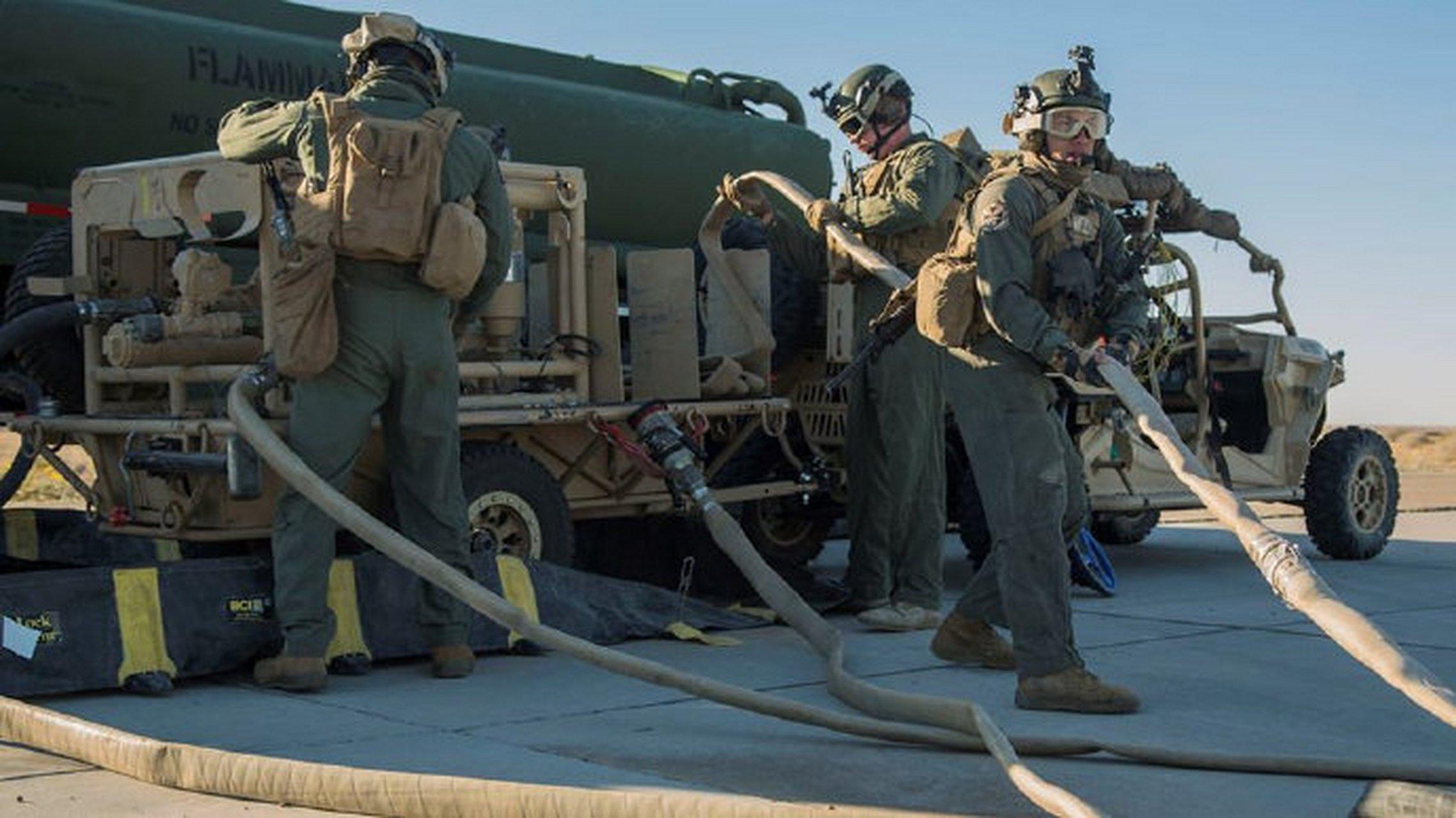 VMFA-122中队在 MCAS Yuma进行前沿部署补给训练