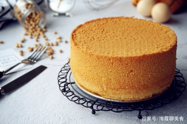 魔法蛋糕和黄豆粉戚风蛋糕,在这个越来越冷的天气里,学习做蛋糕