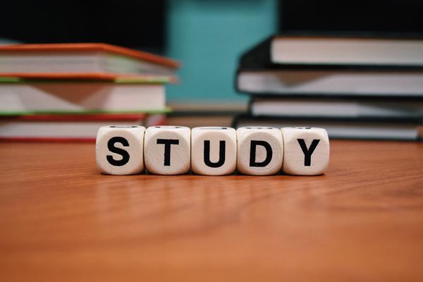"""英语学习:12个与""""Head""""有关的地道短语"""