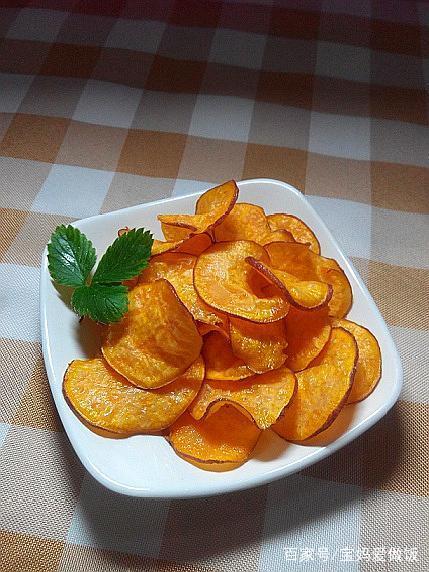 小零食自己做:只需10分钟的美味炸薯片,香酥脆,入口即化,好吃