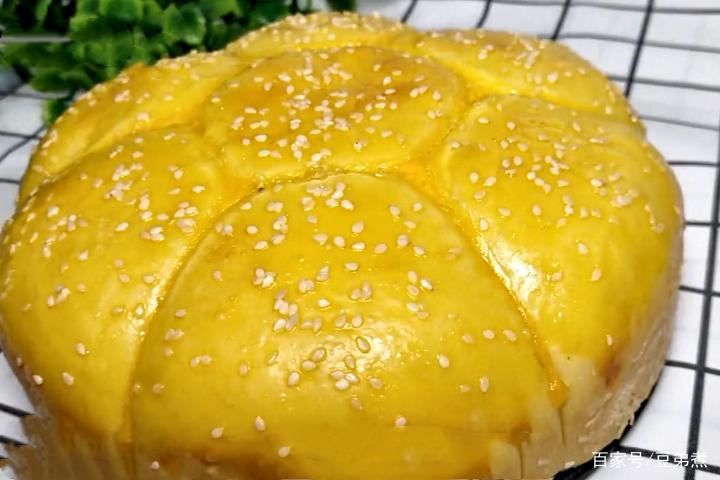 不用烤箱,不用电饭煲,教你快速做面包,香甜松软又拉丝,特好吃