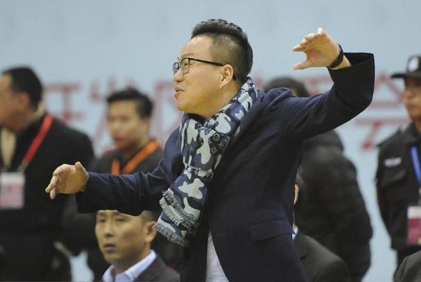 4主力缺阵42分惨败广东宏远 江苏总经理社交媒体霸气回应球迷质疑