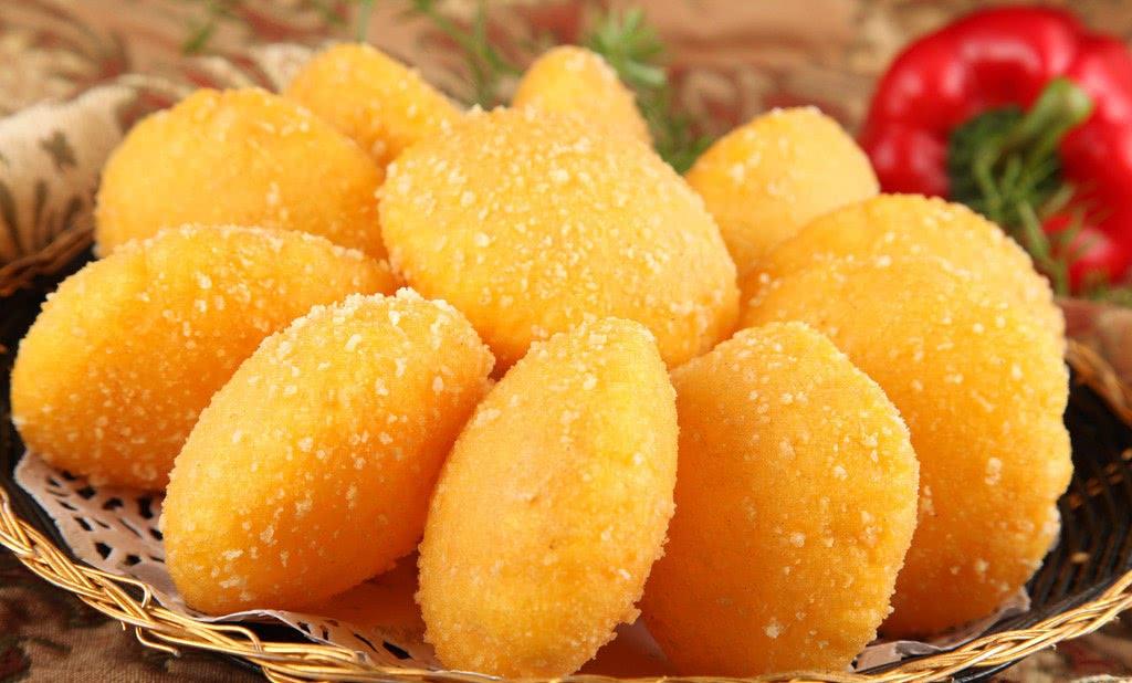 南瓜别再炒着吃了,教你做好吃的南瓜饼,外酥里嫩,家人都爱吃!