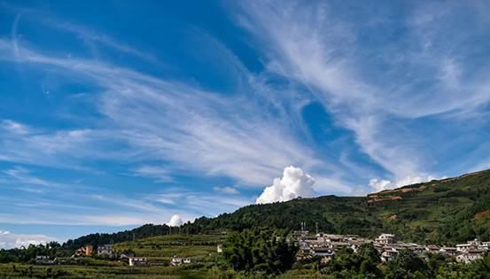 墨江县,全国唯一的哈尼族自治县,县名得名于一位墨江名人