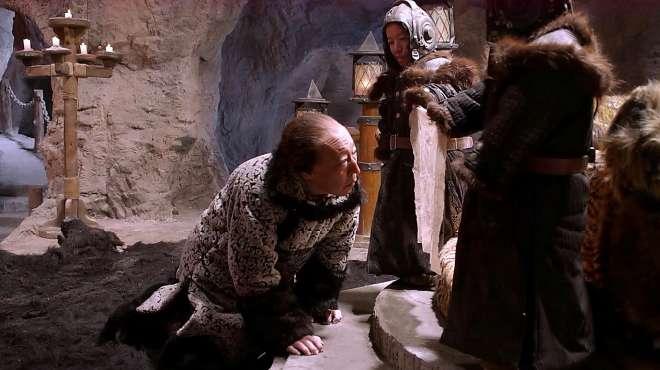 林海雪原:这究竟是啥好东西!把座山雕高兴成这样,直接跪下看!