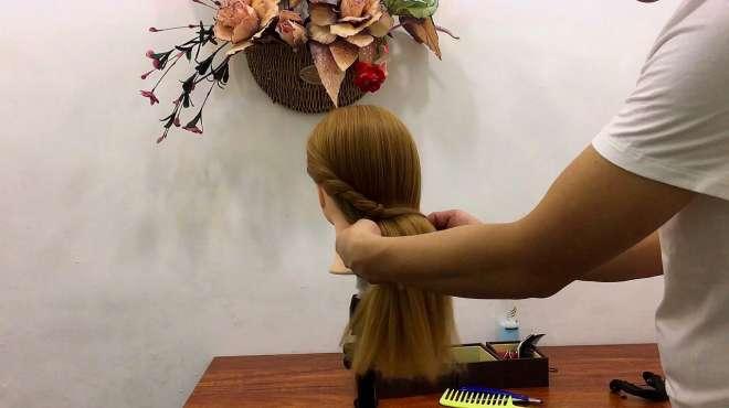 超级简单,1分钟就能梳好的发型,非常好看!
