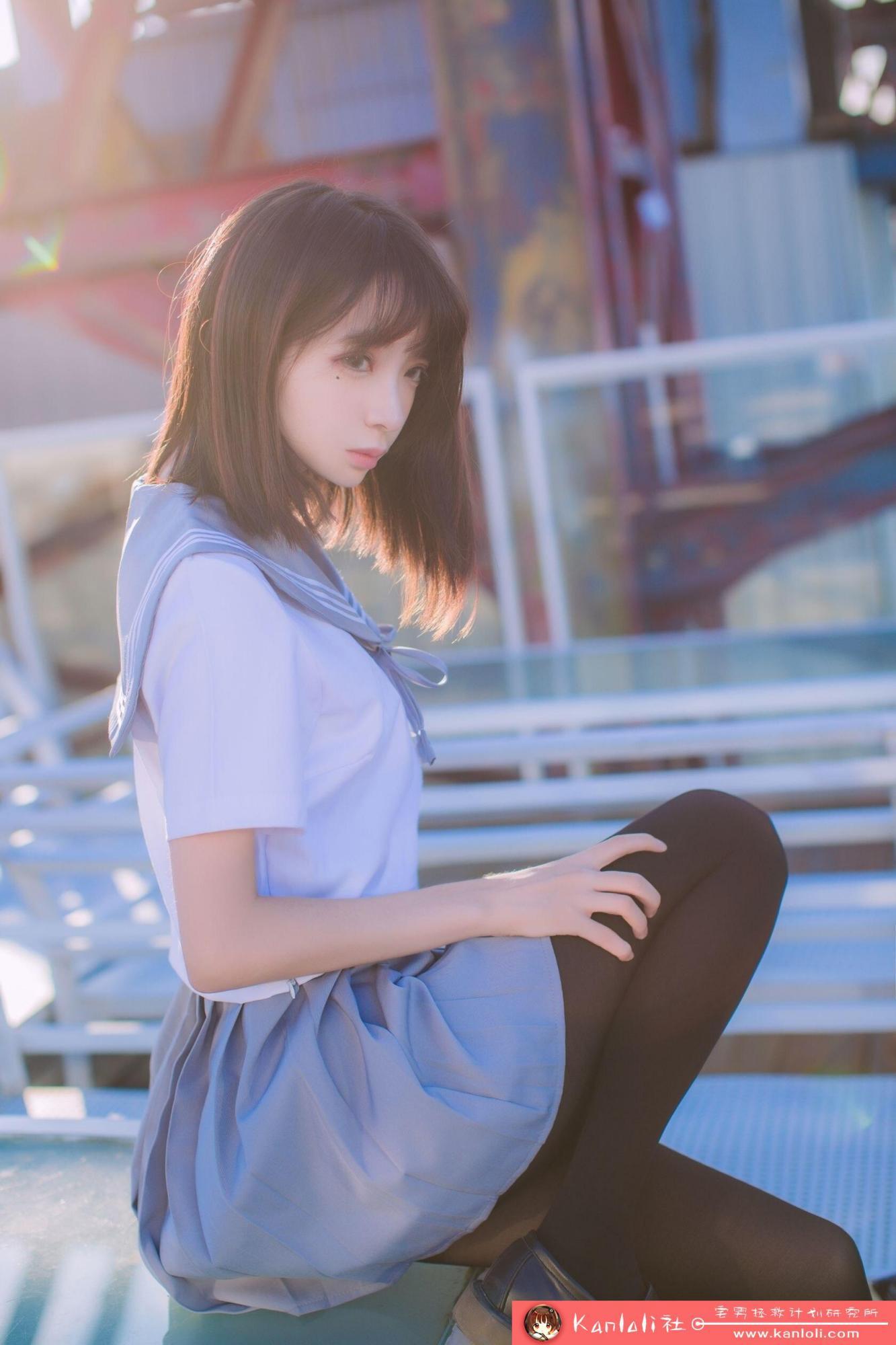 【疯猫ss】疯猫ss写真-FM-020 小桥上的制服黑丝 [10P]