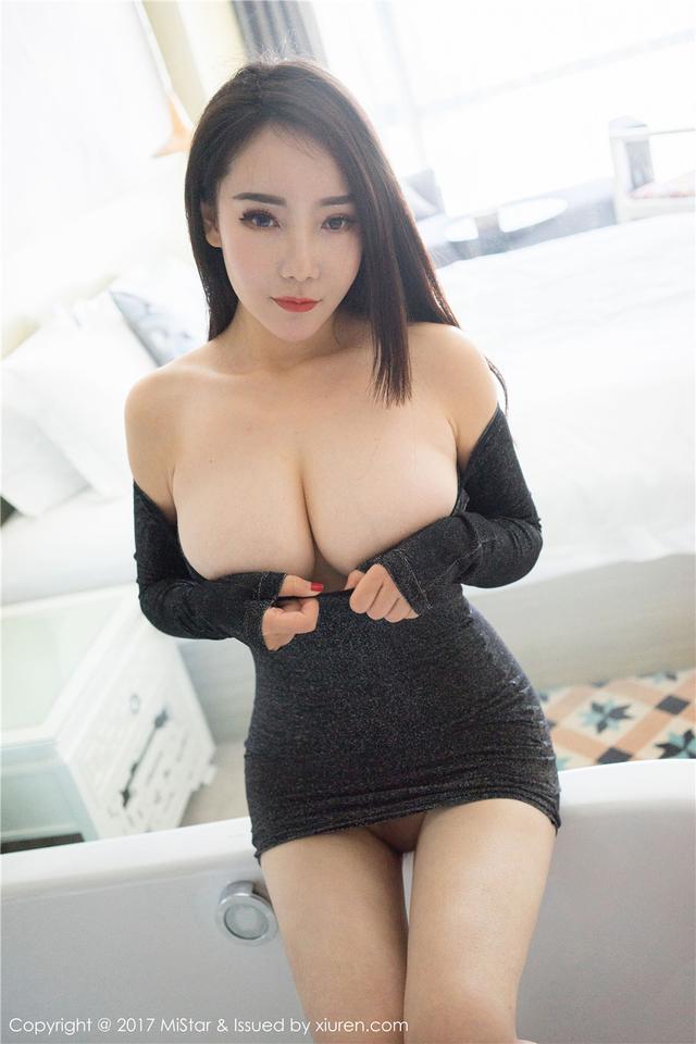 [魅妍社] 性感丁字裤肥臀嫩模歆颜超大巨乳欣赏 VOL.15