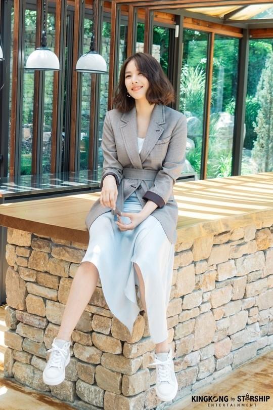 赵胤熙公开了与premium时装品牌SODA拍摄的形象照