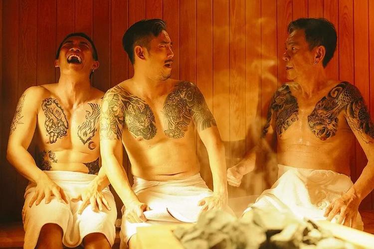 电影《江湖无难事》影评,黑色喜剧里包的不只荒谬
