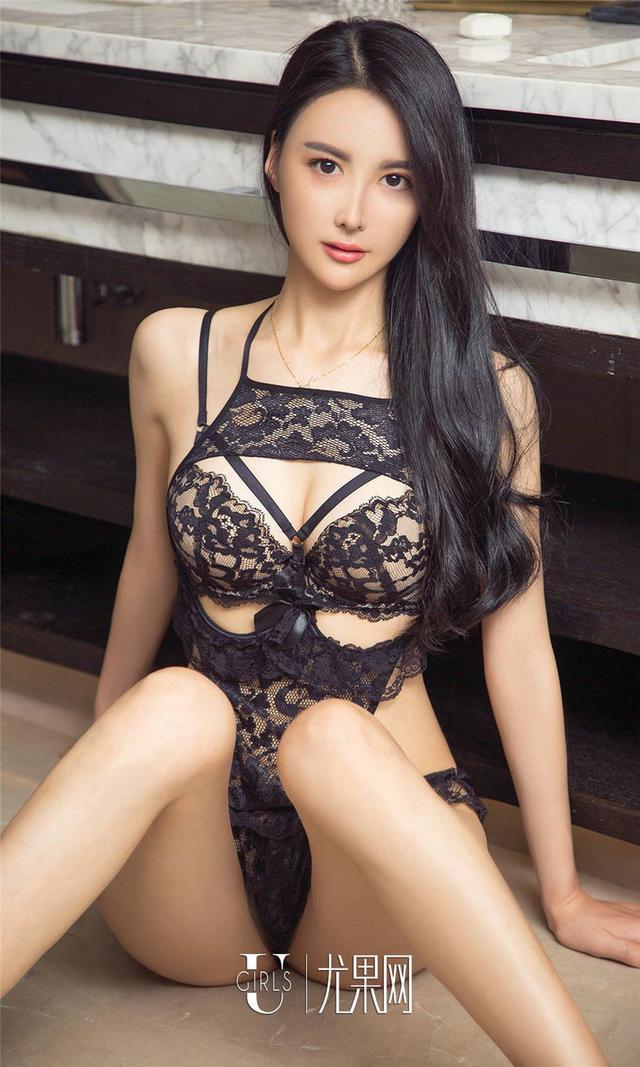 [尤果网] 美女黛米穿蕾丝内衣裤在家秀火辣身材 第798期