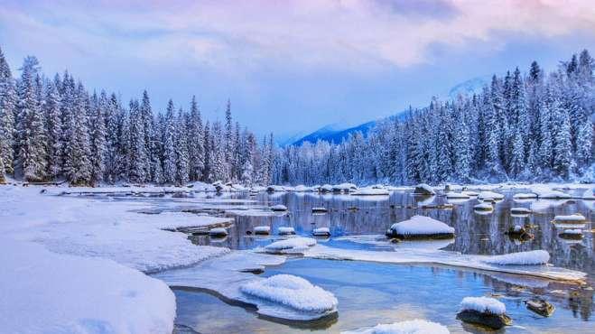 """中国小瑞士""""阿尔山森林公园""""不冻河"""